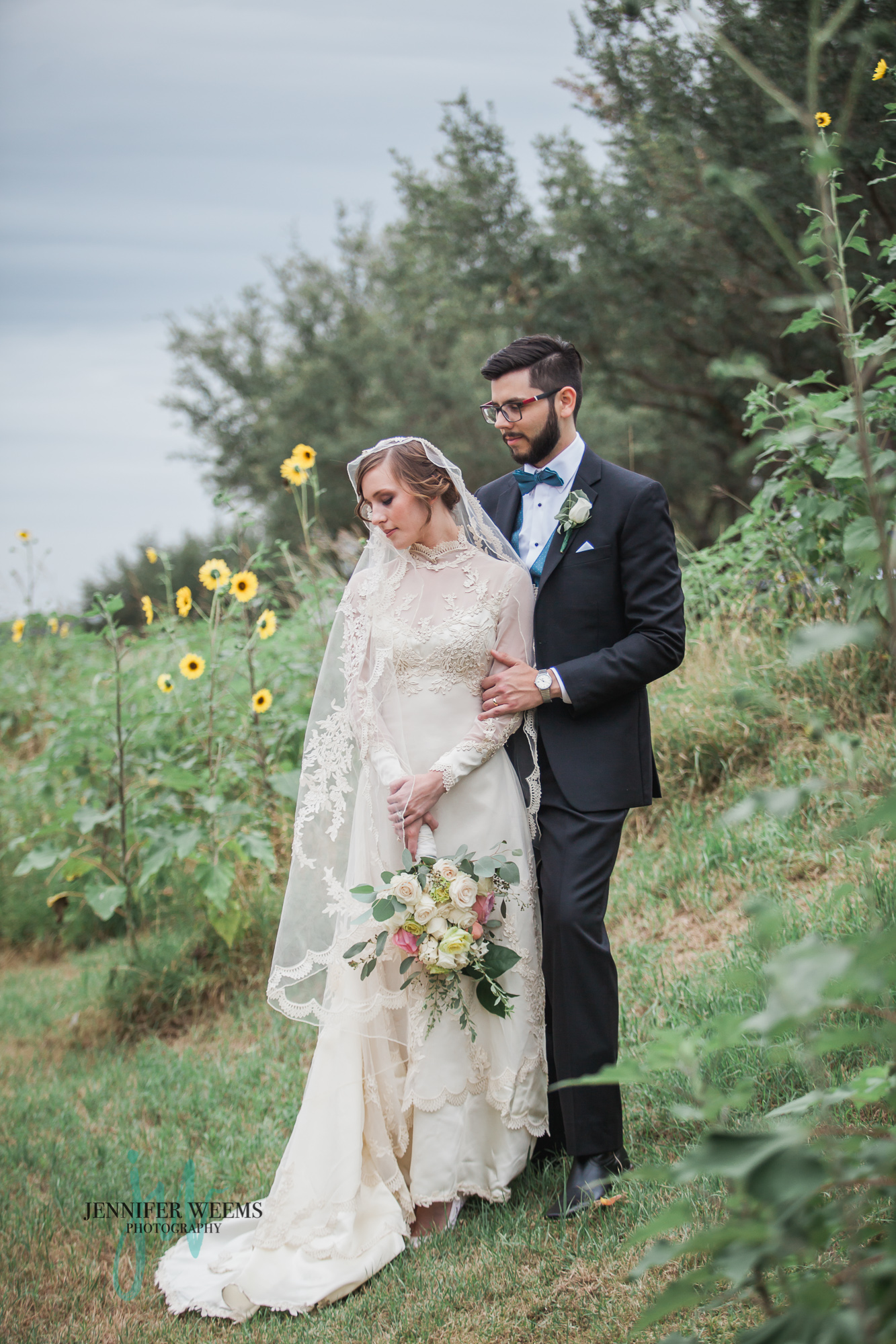 Star hill ranch wedding photo by jennifer weems for Post wedding party dress