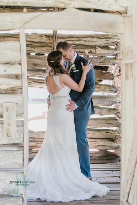 Pecan Springs Ranch, Wedding, Austin Wedding Venue, Outdoor wedding, wedding party, bride, groom, wedding dress, wedding reception, details, green, stripes, Jennifer Weems Photography, Lake Travis Photographer, wedding photographer