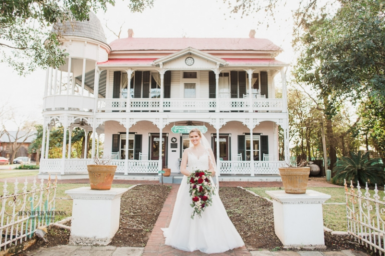 Gruene, Gruene Hall, Bridal photo, bridal session, wedding dress, bride, wedding flowers, sunset, texas, Jennifer Weems Photography, lake travis photographer