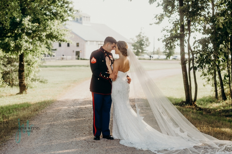 Beckendorff Farms wedding photo by Jennifer Weems Photography